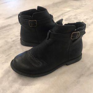 GAP Girls Black Toddler buckle Boots, SZ 13